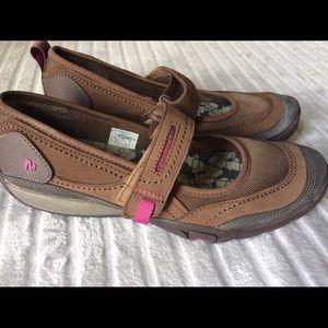 Merrell Shoes - Merrell Flats