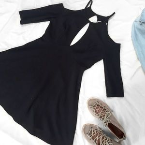 Free People Dresses & Skirts - Free People Beach Black Cold Shoulder Cutout Dress