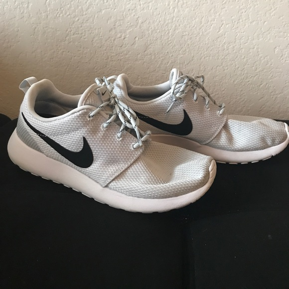 39 nike shoes s nike roche size 8 5 from