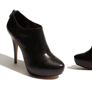 Vince Camuto Shoes - Vince Camuto Jerrell Black Bootie