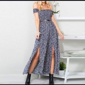 Dresses & Skirts - Blue floral maxi summer dress