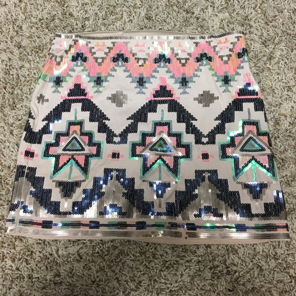 Express Dresses & Skirts - Express Aztec Skirt
