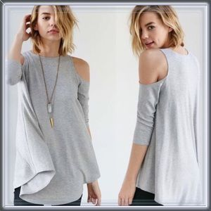 Tops - 🆕 Gray Cold Shoulder Tunic