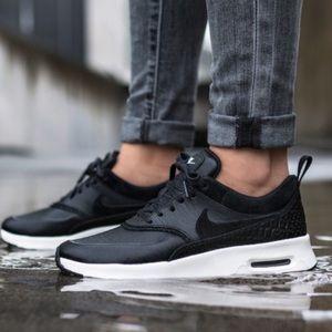 Nike Shoes - NWOT Nike Air Max Thea LX shoes