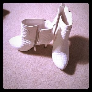 Sophia & Lee Shoes - White textured booties