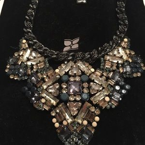 Bcbg maxazria statement necklace, NWOT