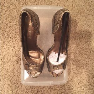 shoedazzle Shoes - Gold high heel shoes