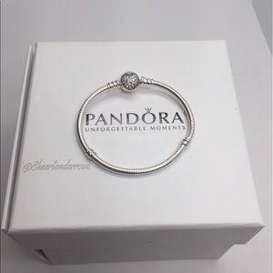 Pandora Jewelry - Pandora Sparkling heart bracelet