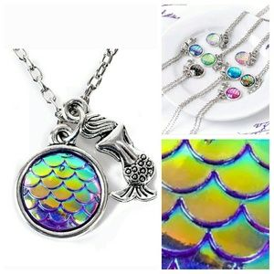 Jewelry - New mermaid jewelry necklace set scales rainbow