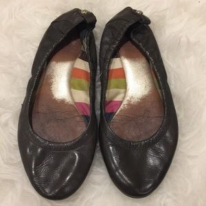 Coach Flats. Size 6 in Gray.