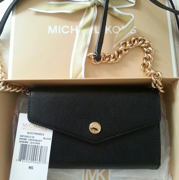 Michael Kors Handbags - Michael Kors Cellphone Crossbody Wallet Purse