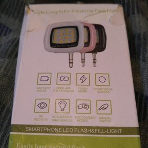 Accessories - Smartphone LED Flash & Fill Light.
