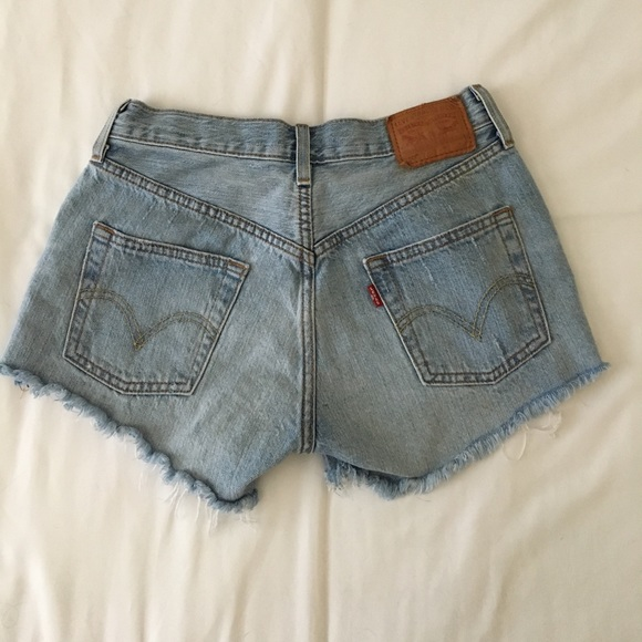 how to make levi cutoff shorts