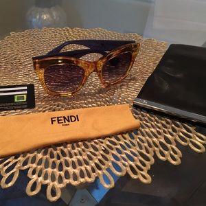 Brand new Fendi sunglasses🕶