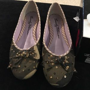 Beverly Feldman Shoes - camouflage camp ballet flat sequin 9.5 M shoes
