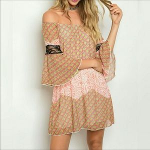 ❤️Just In❤️ Beautiful Off Shoulder Dress! Sexy!