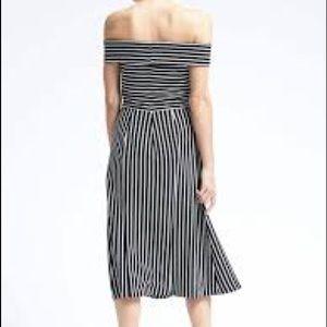 Banana Republic Dresses - Banana Republic Stripe Off the Shoulder Midi Dress