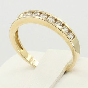 Jewelry - 14k Solid Yellow Gold Wedding Band