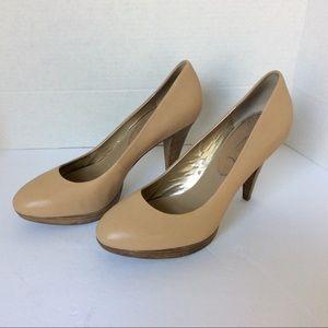 banana republic cream heels with wooden Heel sz 10