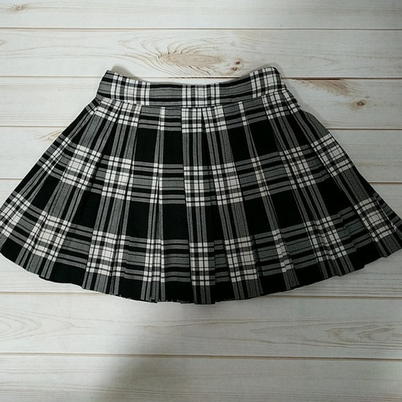 1b638da1d Alice + Olivia Dresses & Skirts - Alice + Olivia Skirt
