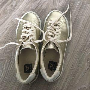 Veja Shoes - Gold metallic sneakers