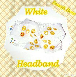 Other - NWT- White Crochet Headband with Emoji Bow