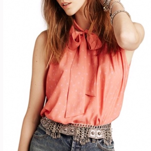 c6916d85afb6c Free People Tops - NWOT Free People Sleeveless Tie Front Blouse