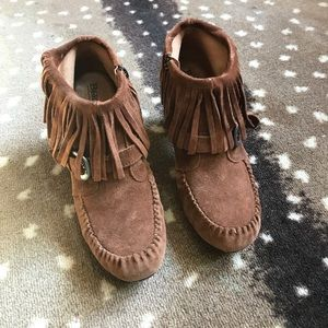 Born Shoes - Born booties. Moccasin look