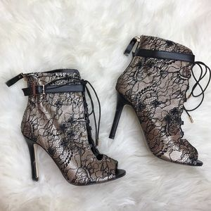 Shoe Dazzle Shoes - Shoedazzle Shishi Lace Black Tan Lace Up Booties