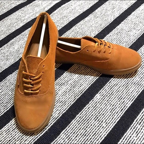 6d174383c6 Vans Authentic Lo Pro Suede Gum Sole Shoes (7.5). M 591370b941b4e07c13012f5b