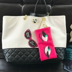 Betsey Johnson Handbags - { Betsy Johnson Tote }