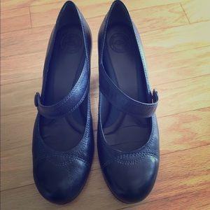 Nurture by Lamaze Shoes - Navy Heels