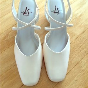 Life Stride Shoes - White heels