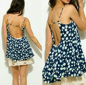 Tops - 🔴⚪🔵Daisy low back tank top