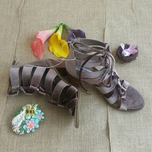 Steve Madden Shoes - Steve Madden Velvet Lace Up Shoes