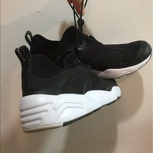 Stampd Shoes - Blaze of Glory sneaks: NU Puma & Stampd