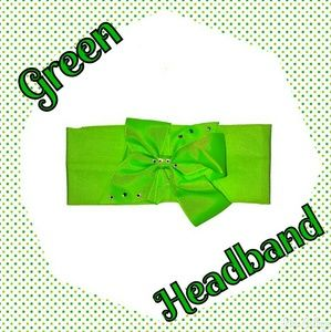 Other - NWT- GREEN HEADBAND WITH BOW