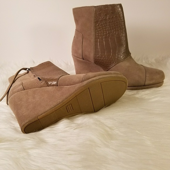 42 toms shoes new toms desert wedge leather croc