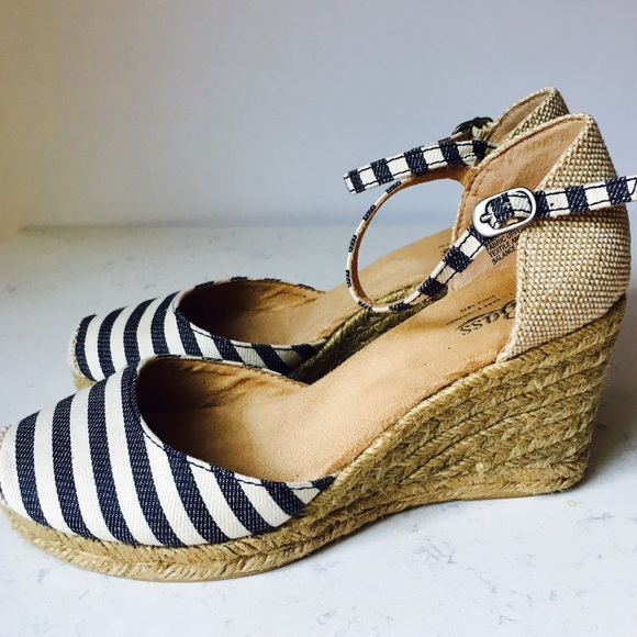 bass �bass quotemiliaquot striped canvas wedge espadrille