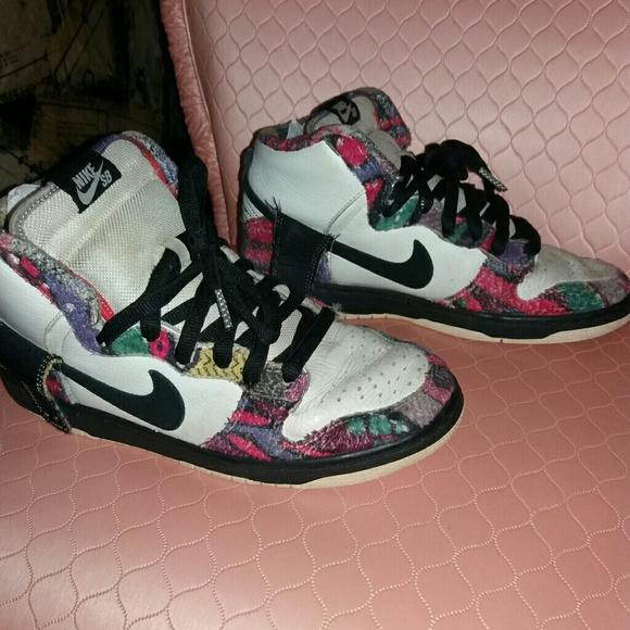 92c77662a039 Nike SB colorful mens lace up tennis shoes. Sz8. M 5913922eb4188ef068005cfe