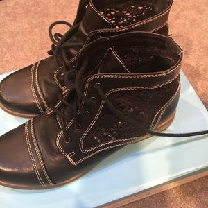 Aphorism Shoes - Black Booties