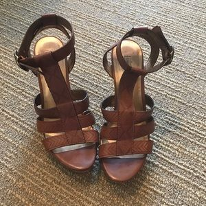 Cynthia Vincent Wedges Size 7