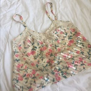 cute victoria's secret crop top sz M
