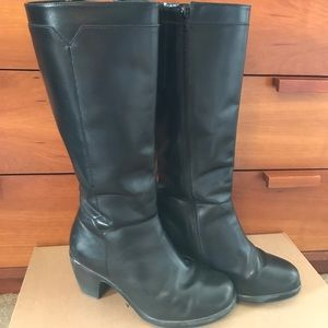 Dansko Shoes - EUC Dansko tall boots; Size 38