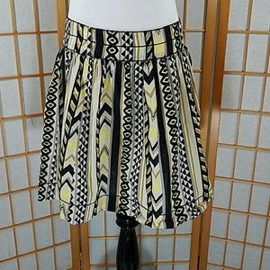 Chelsea & Violet Dresses & Skirts - Chelsea and Violet tan yellow and black skirt