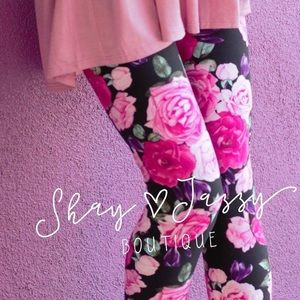 63b3510f964 Pants - Pretty in pink super soft floral leggings OS
