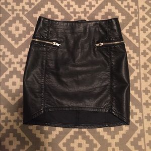 H & M leather skirt