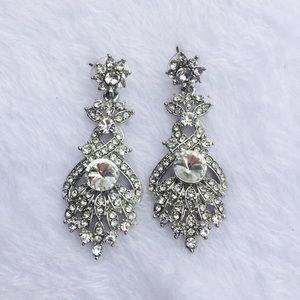 Jewelry - Stylish costume earrings