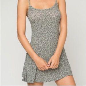 Brandy Melville Dresses & Skirts - Brandy Melville floral dress