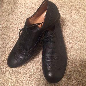 Nurture by Lamaze Shoes - NURTURE Black Oxfords